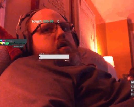 Se queda dormido en Twitch y despierta con 200 personas observándolo